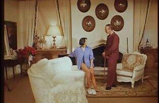 माँ, बड़े स्तन देने के लिए एक्स एक्स एक्स सेक्सी वीडियो फुल मूवी एचडी एक आदमी दो छेद सोफे पर