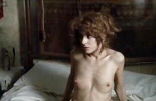 जूलिया गुलाब और कुर्सी में एक फोटोग्राफर के साथ एक फोटो शूट में वीडियो सेक्सी फिल्म फुल एचडी उसके दोस्त